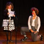 Rafaela Kinas e Loi Lima em cena - Foto: Chris Meyer