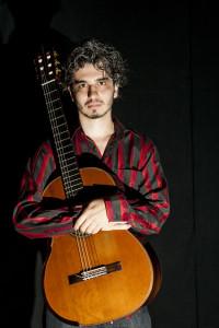 Leandro Fortes, produtor, instrumentista e educador brasileiro. Foto: Marco Santiago